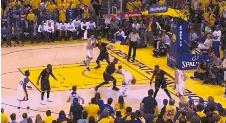 Steph Curry cooked LeBron James 1-on-1 then celebrated in his face